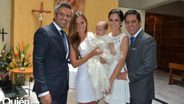 Juan Barajas,Gaby Castillo,María González Rubio,Alberto Mojica con Nicolás Mojica González Rubio