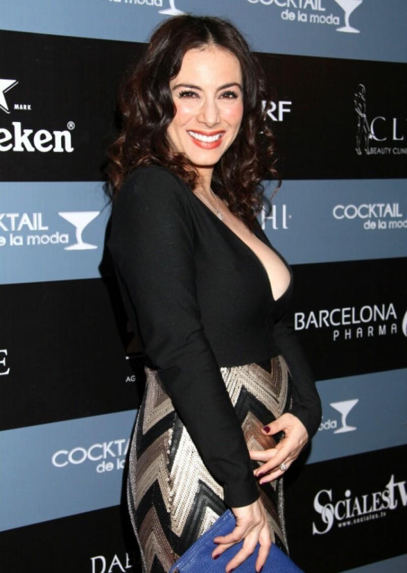 Claudia Lizaldi lleva su segundo embarazo con mucho estilo.