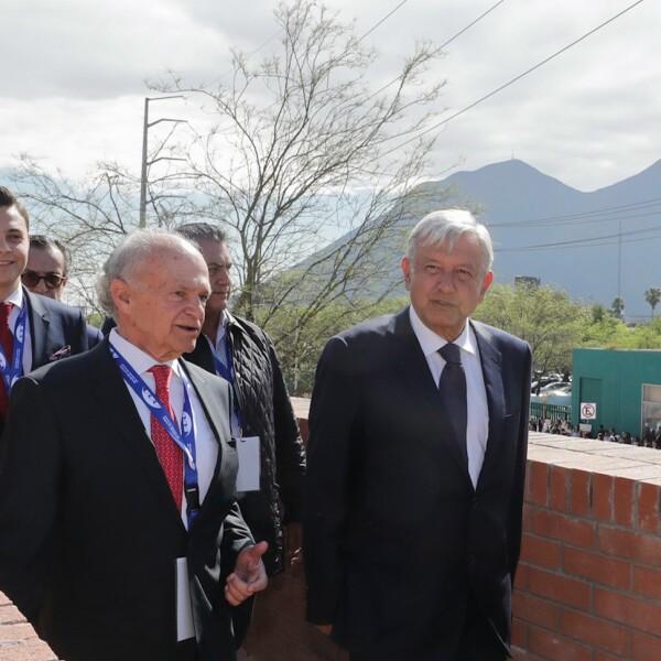 López Obrador y Harp Helú