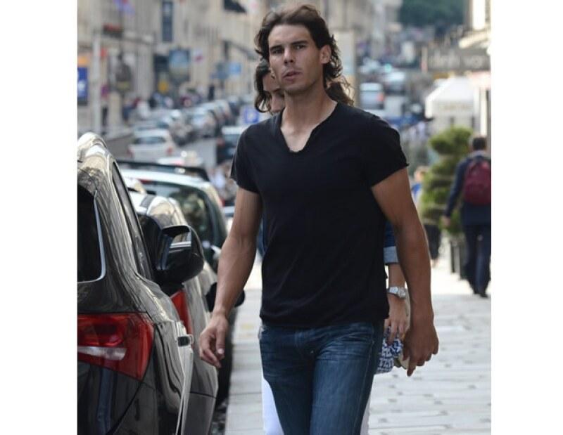 El tenista español publicó en su cuenta que lamentaba el fallecimiento del ex presidente sudafricano, minutos después aclaró que tenía información equivocada, que el mandatario seguía vivo.