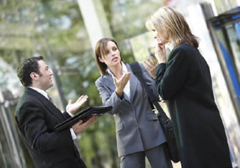 Los conflictos laborales se deben solucionar a través del diálogo. (Foto: Jupiter Images)