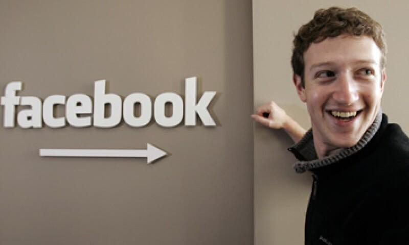 Con la Oferta Pública Inicial de acciones la empresa de Mark Zuckerberg tendría un valor de más de 100,000 mdd. (Foto: Archivo AP)
