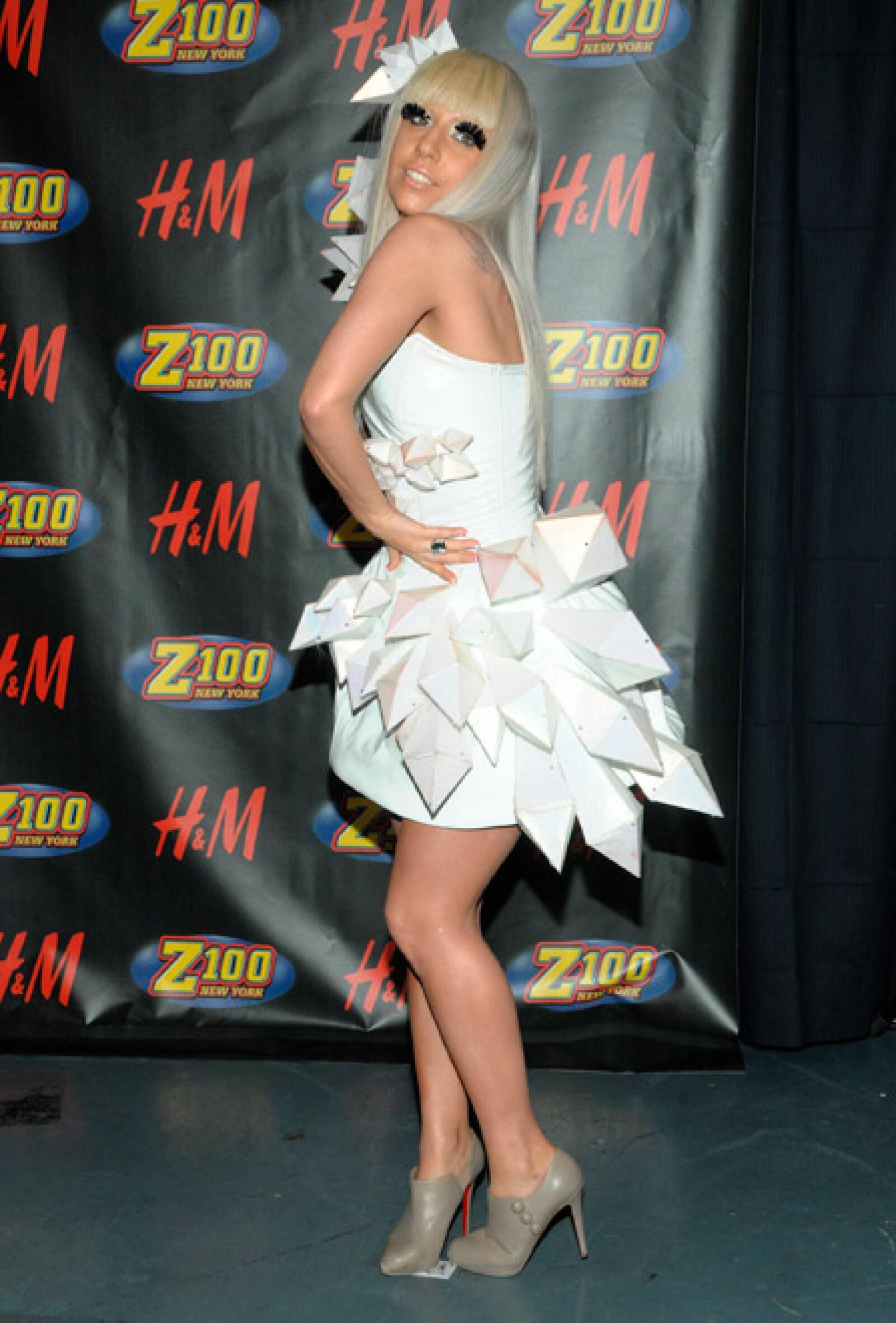 """Lady Gaga adquirió fama tras el lanzamiento de su álbum de estudio debut """"The Fame"""" en 2008."""