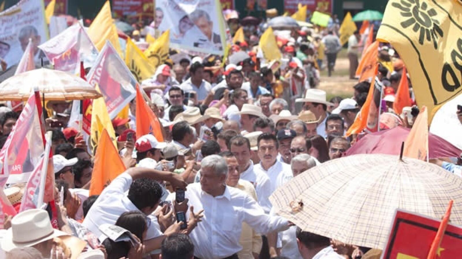 Lopez Obrador inicia campaña en macuspana