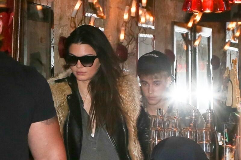 Kendall y Justin salieron a cenar ayer en París. ¿Esto le habrá molestado a Selena?