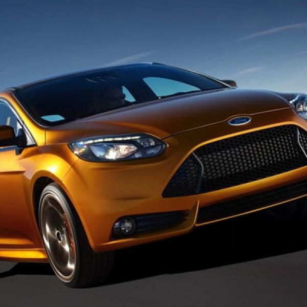 El Ford Focus 2012 fue seleccionado como 'Auto del Salón Internacional del Automóvil de Guadalajara', por un jurado de 33 periodistas que cubren la industria automotriz mexicana.