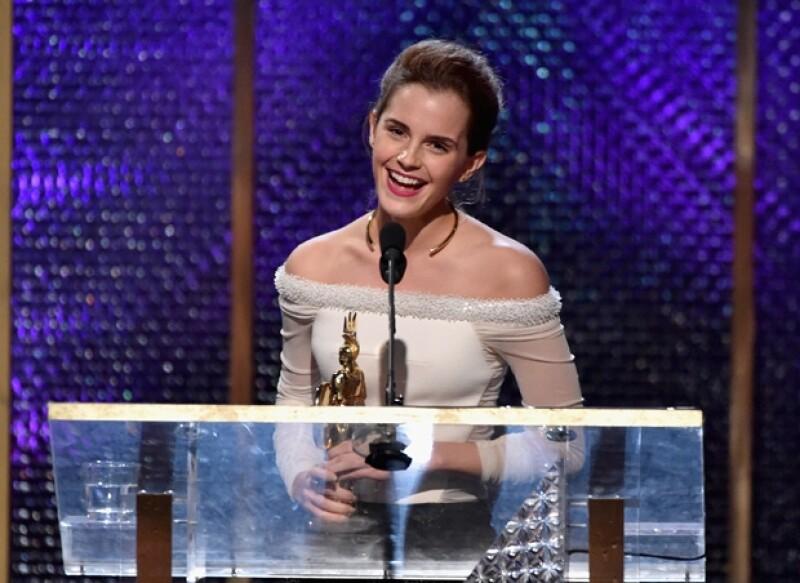 La actriz estaba notablemente nerviosa al dar su discurso de agradecimiento.