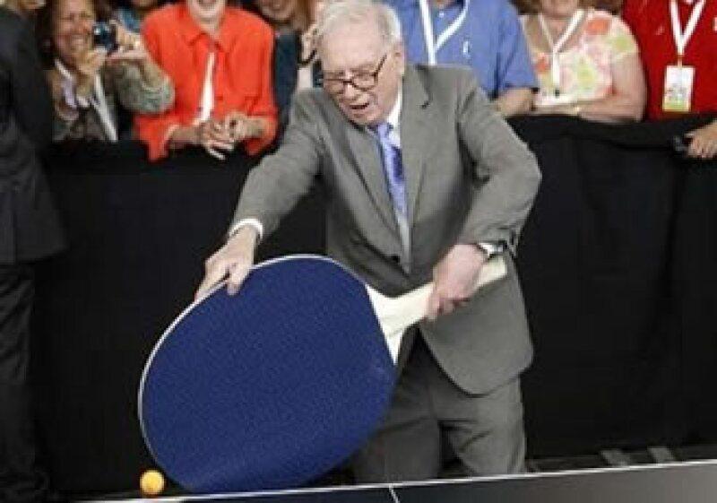 Buffett redujo su participación en Kraft 25%. El inversionista criticó la adquisición que hizo de Cadbury. (Foto: Reuters)