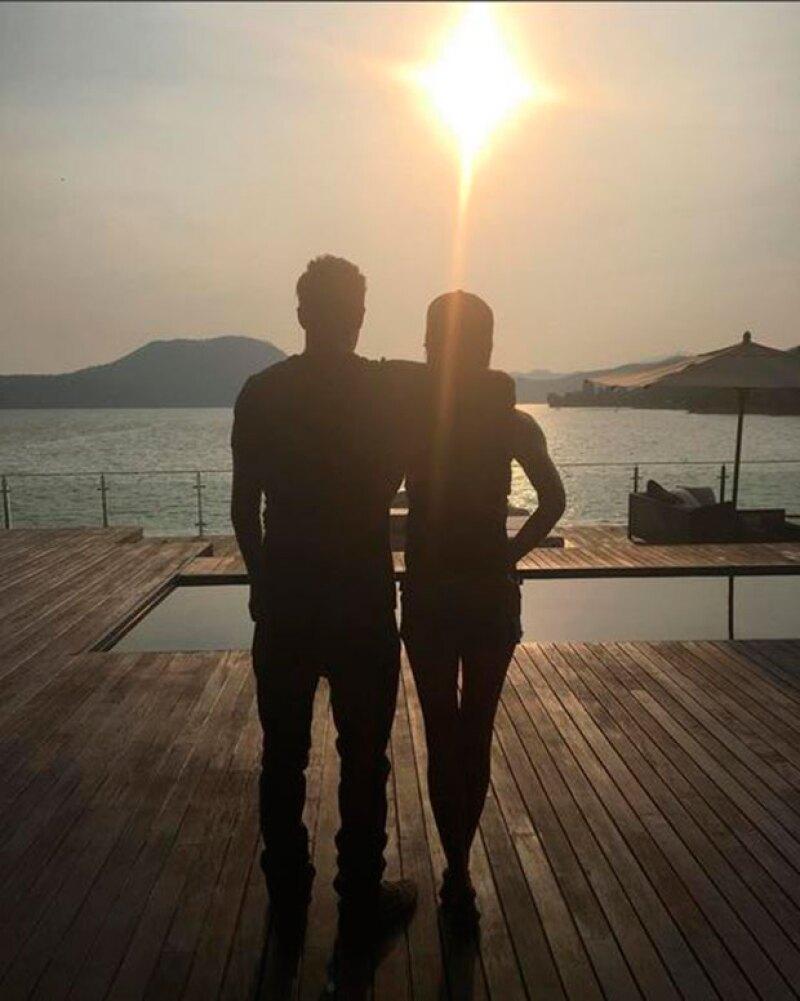 La exitosa pareja se despidió de nuestro país este domingo tras ser parte de la esperada boda de Eva Longoria y Pepe Bastón.