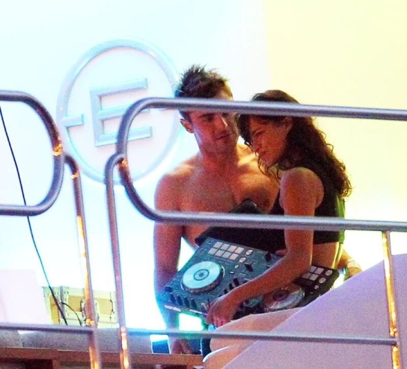Zac Efron se ha mostrado especialmente cariñoso con Michelle, parece que está muy enamorado de ella.