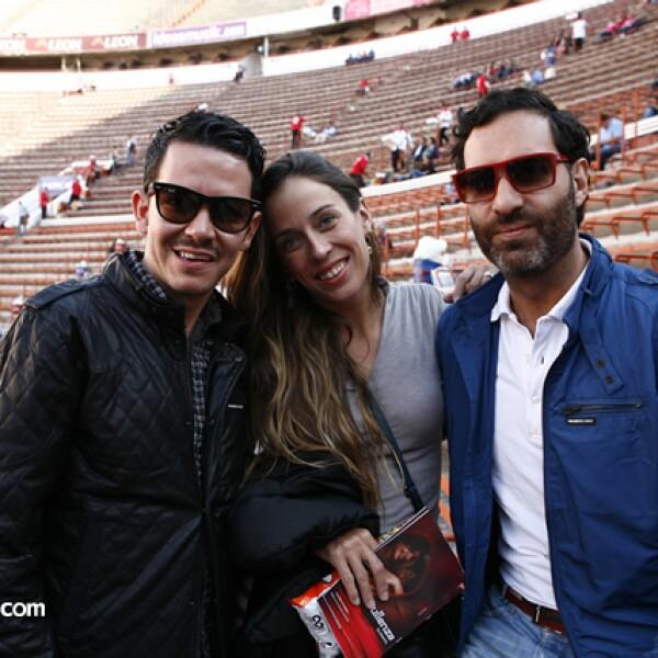 Manolo Caro,Roberta Lobeira,Guillermo Escaip