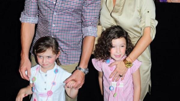 Andrea Legarreta, Erik Rubin y sus hijas.