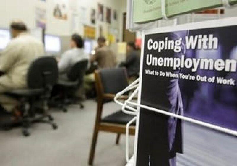 La tasa de desempleo en EU subió a 9.7% en agosto, su peor nivel en 26 años. (Foto: AP)