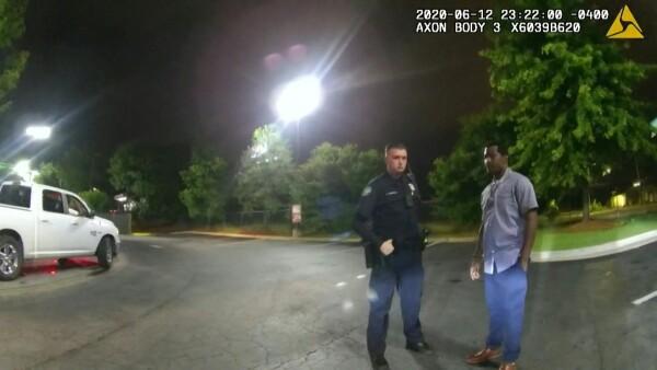 Un policía de Atlanta mata a un afroamericano durante su arresto