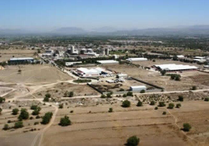 Pemex espera que la refinería ubicada en Tula, Hidalgo, comience a operar en 2015. (Foto: Especial)