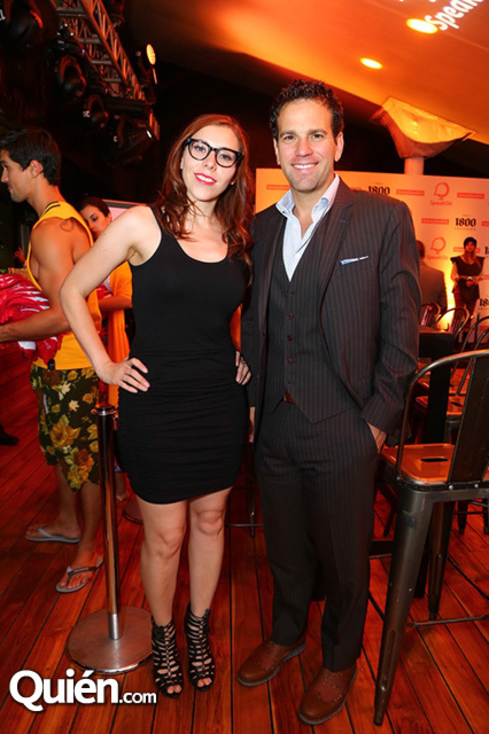Aura López y Carlos Loret de Mola