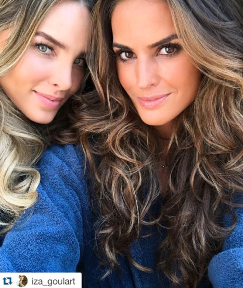 Belinda e Iza Goulart se tomaron una selfie desde el set.