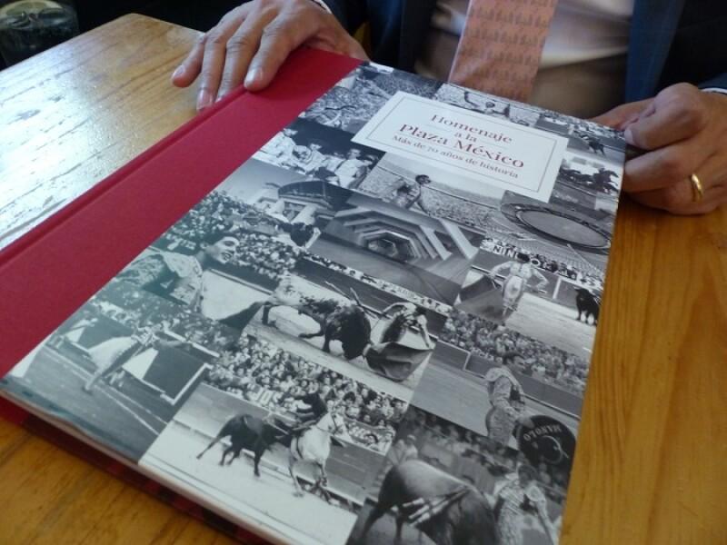 Libro homenaje a la Plaza de Toros México