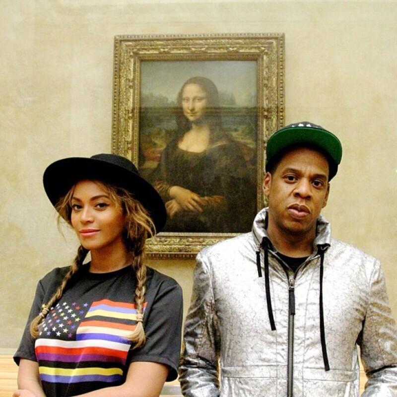 La cantante y el productor musical viajaron a París junto con Blue Ivy; visitaron el famoso cuadro de la Mona Lisa en el Museo del Louvre así como otras muestras de arte.