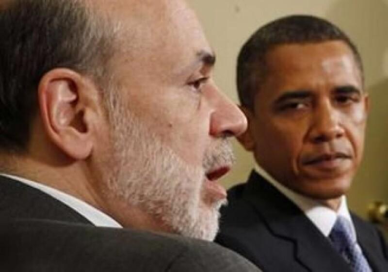 Barack Obama y Ben Bernanhe se reunieron para discutir sobre la economía de Estados Unidos. (Foto: Reuters)