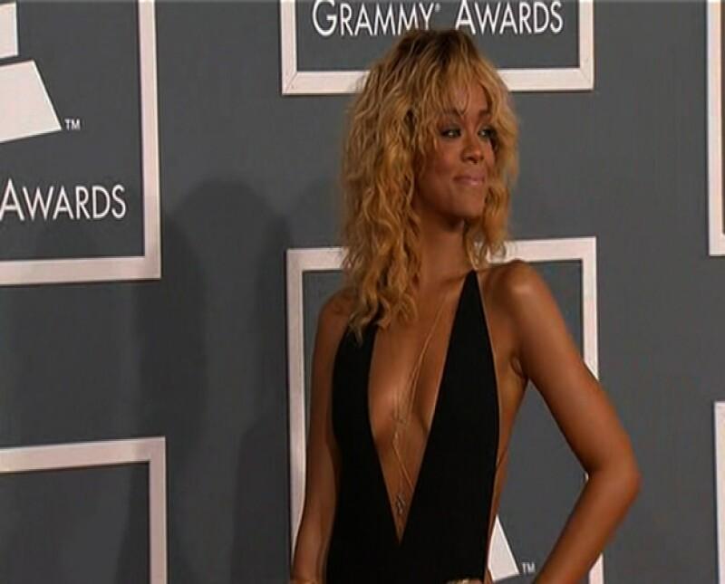 La cantante disfrutó de unas vacaciones por europa y se dejó ver con este vestido.
