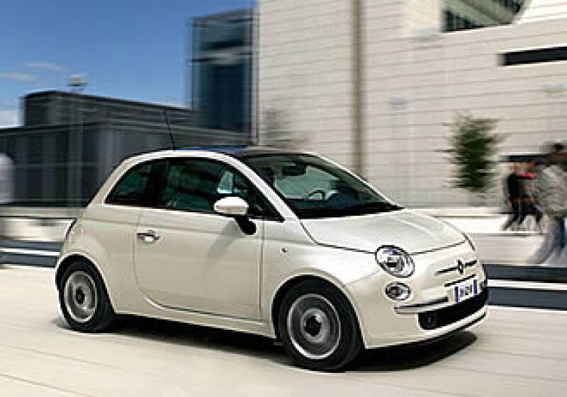 El Fiat Cinquecento (500) tratará de ganarse el mercado de los autos compactos de gama alta en Estados Unidos.  (Foto: CNNMoney.com)