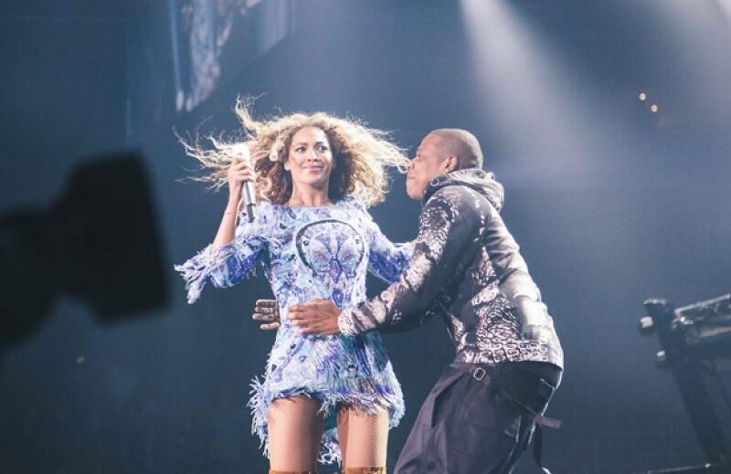 Beyoncé se sorprendió cuando su esposo Jay Z subió al escenario.