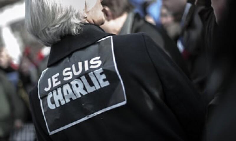 La frase y el logotipo son utilizados por miles de personas en redes sociales y manifestaciones de apoyo. (Foto: AFP )