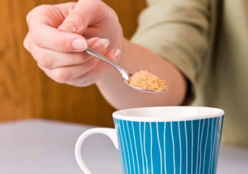 El decir que Stevia es más natural no parece novedoso. El aspartame es un aminoácido, y la suclarosa proviene de la caña. (Foto: Jupiter Images)