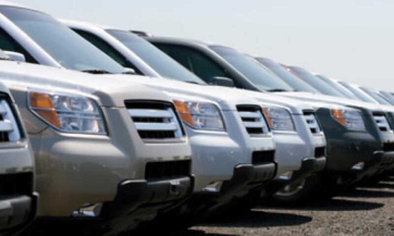Destina solo el 25% de tu ingreso mensual a la compra y mantenimiento de tu auto. (Foto: Thinkstock)