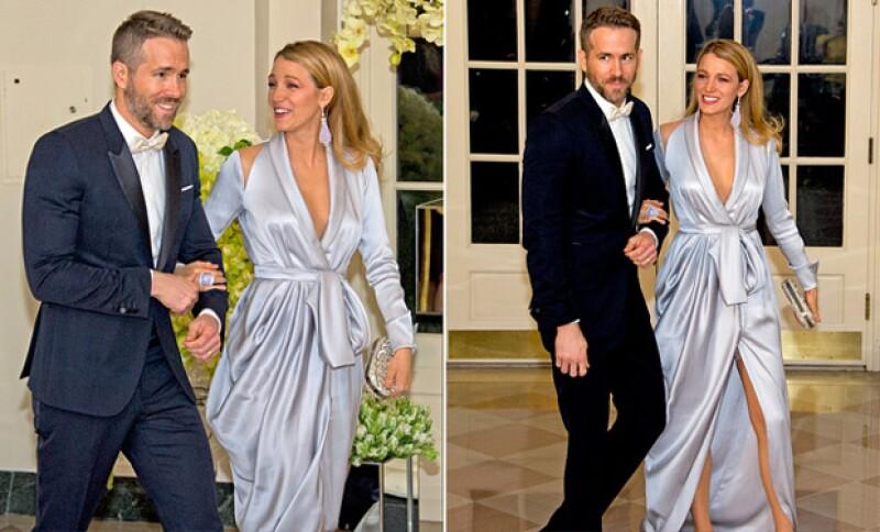 La guapa pareja no paró de sonreír al momento de su gran entrada.