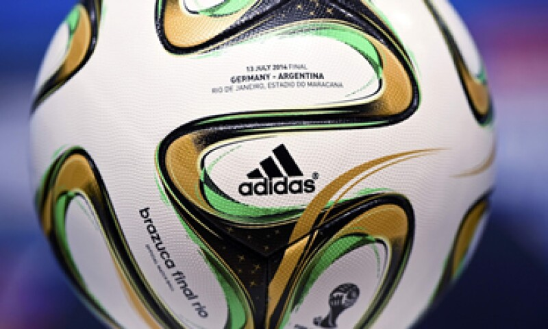 Adidas patrocina el balón de las Copas del Mundo desde 1970. (Foto: Reuters)
