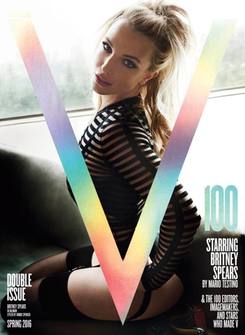 La cantante posó muy sexy para V Magazine, sin embargo, no fue sólo su cuerpo el que llamó la atención, ¿cirugía o exceso de retoque en su cara?