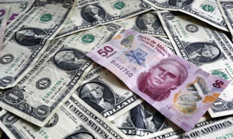 Las autoridades financieras locales reforzaron la semana pasada su defensa del peso. (Foto: Reuters )