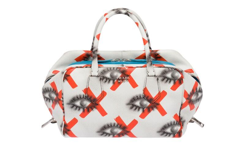 Bolsa Inside Bag de Prada Resort 2016 desde 2,720 dólares en Prada Masaryk.