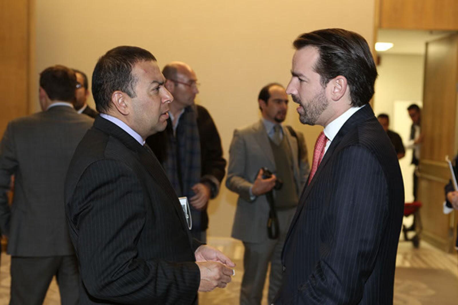 Héctor Ávila,Neal Tritton