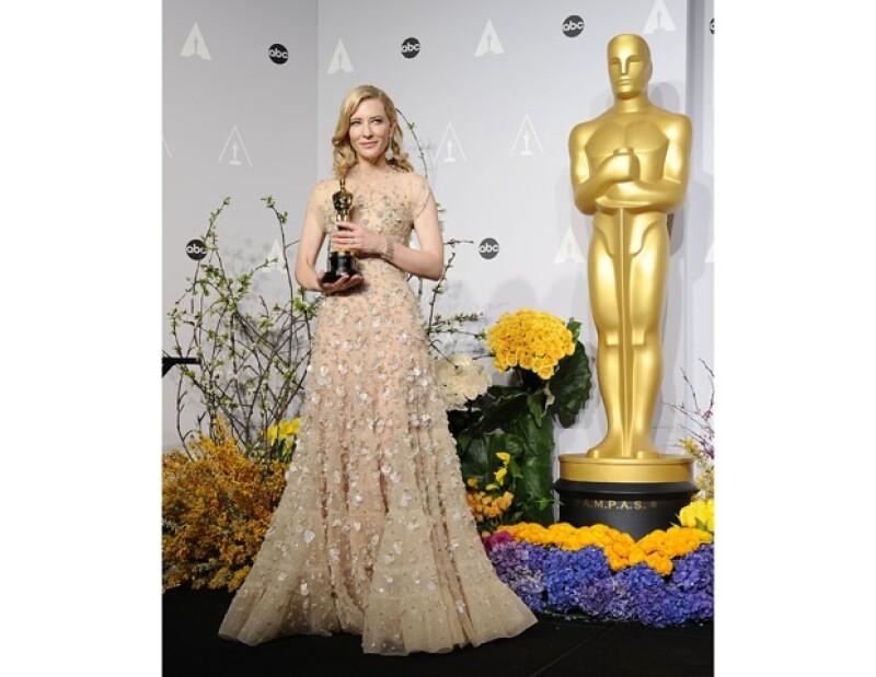 La ganadora a Mejor Actriz le confesó a Ellen DeGeneres que el domingo pasado su esposo y ella, durmieron con dicho premio.