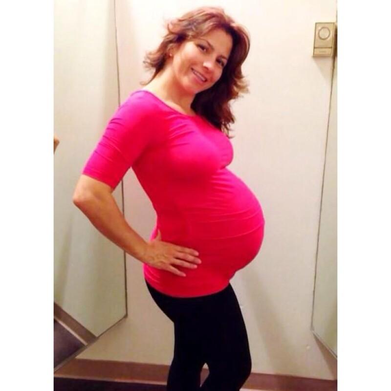 Aitana, la hija de la actriz con Eugenio Derbez está programada para nacer en los próximos días. Alessandra compartió una foto de su pancita, más que lista para ser mamá por primera vez.