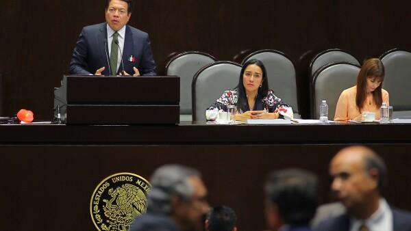 Oposición frena llegada de programas sociales a rango constitucional