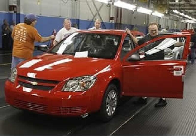 GM aumentará la producción del modelo Chevy de 12 a 22 unidades por hora en la planta de Ramos Arizpe (Foto: AP)