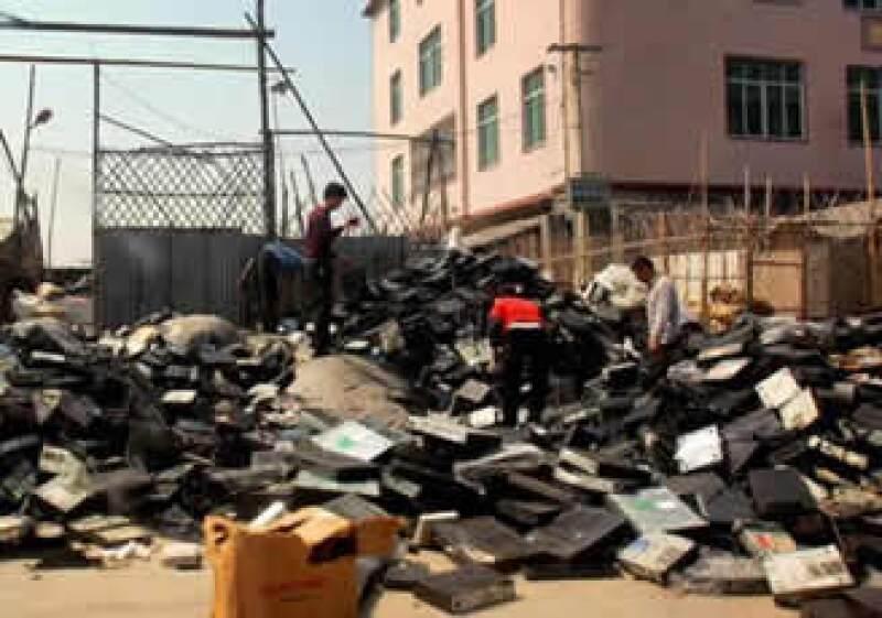 Las naciones menos desarrolladas podrían convertirse en un basurero electrónico en los próximos años, advirtió la ONU. (Foto: AP)