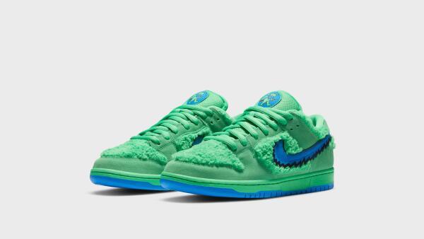 NikeNews_FeaturedFootwear_NikeSB_DunkLowGratefulDead_7_hd_1600.jpg