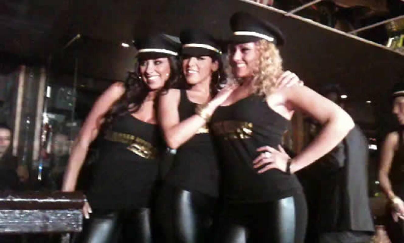 Las chicas también les dan trabajo a otros empleados de Mexicana de Aviación, ya que pueden convertirse en 'agentes de ventas' y recibirán una parte proporcional de lo recaudado.