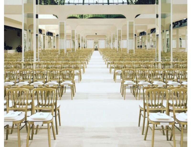Karl Lagerfeld creó un show muy sencillo de Chanel.