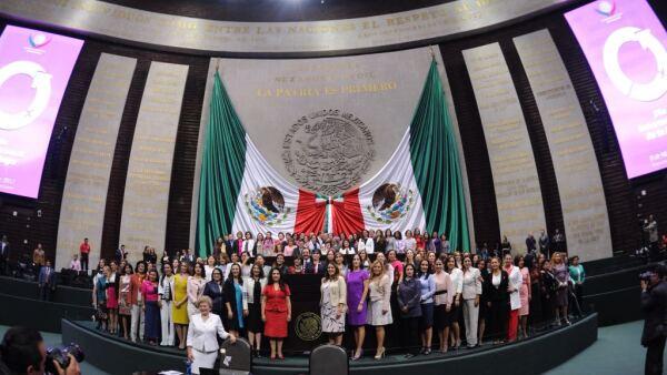 Las mujeres en el poder siguen estereotipadas