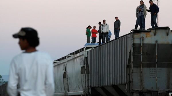 Migrantes sobre un tre