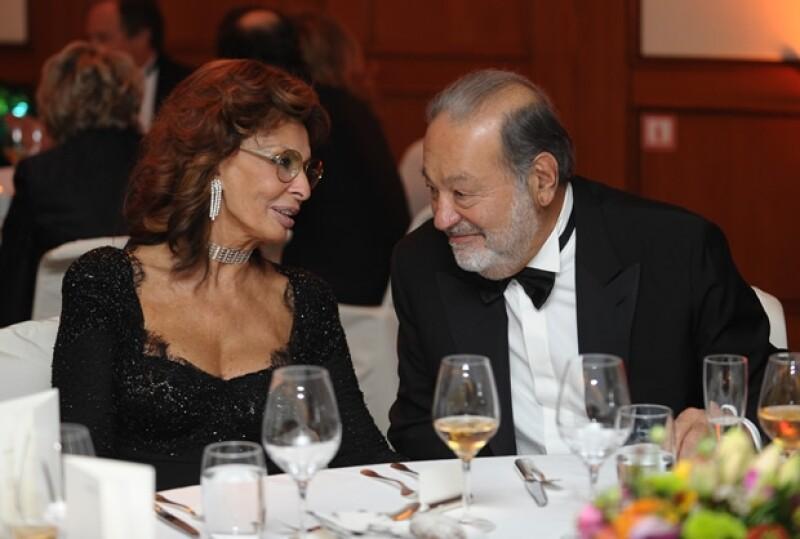 Sophia Loren y Carlos Slim durante la cena.