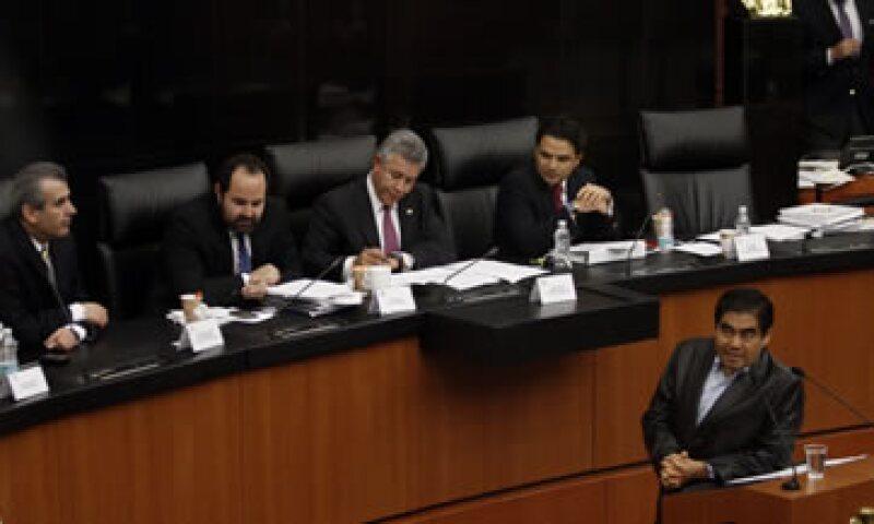 Barbosa (abajo a la derecha) acusó a legisladores de otros partidos de evadir una discusión de fondo. (Foto: Cuartoscuro)