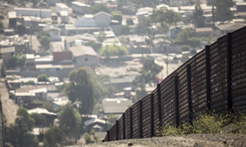 En 2014, el número de mexicanos en EU se situó en 11.7 millones. (Foto: Getty Images/Archivo)
