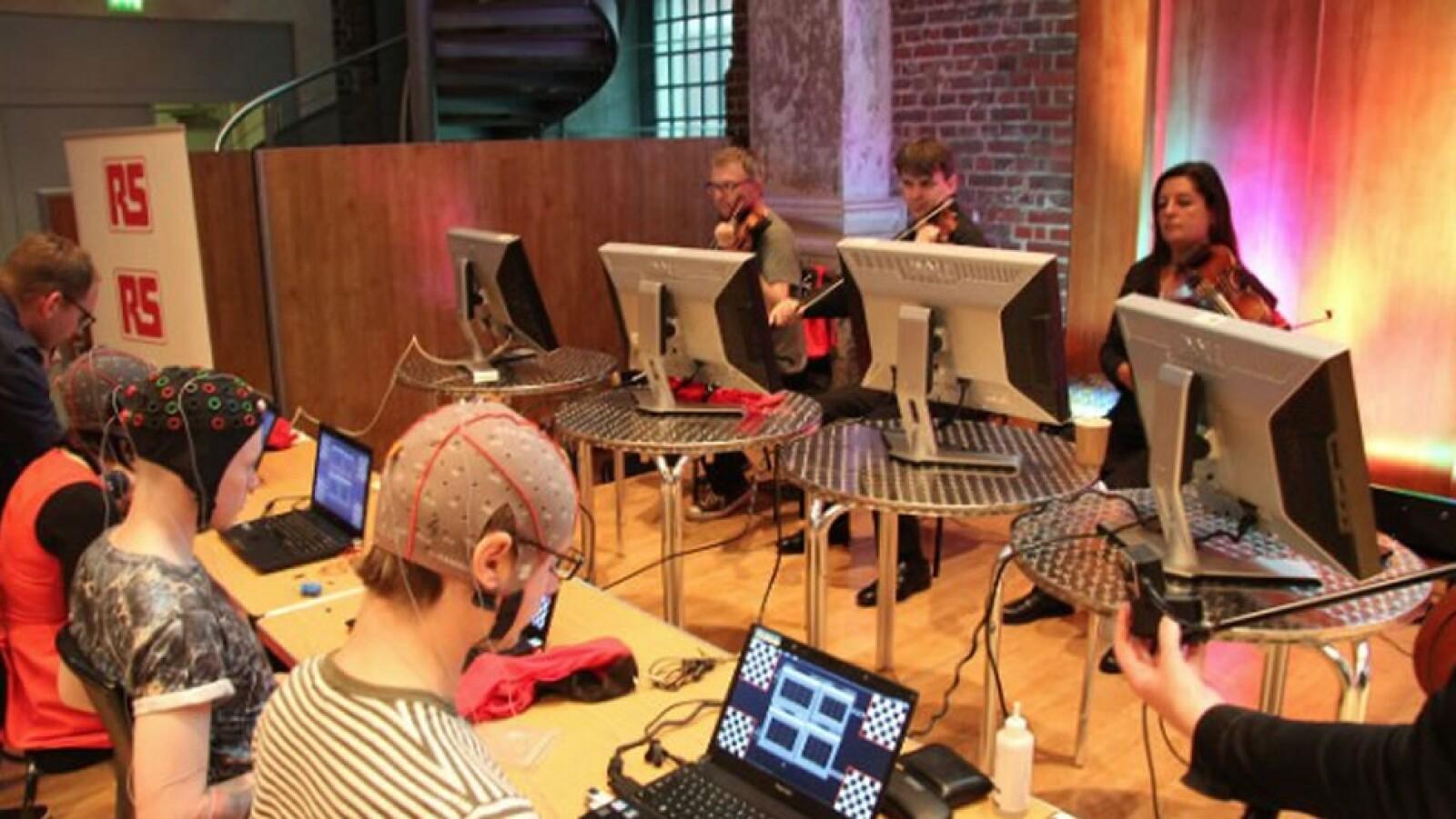 música con los ojos, interfaz, parálisis, eduardo miranda, laboratorio 2